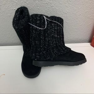 Cat & Jack girl ankle zip up boots size 1.5